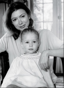 Joan Didion with her daughter Quintana, 1968